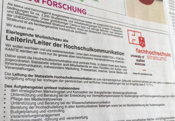 Die FH Stralsund sucht eine eierlegende Wollmilchsau aka Leiter_in Hochschulkommunikation (Quelle: ZEIT Stellenmarkt, Chancen Newsletter vom 16.2.2017).